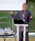 Elsing na seminarju z naslovom kako z inovativnimi rešitvami do prihrankov v proizvodnem procesu seminar kokalj